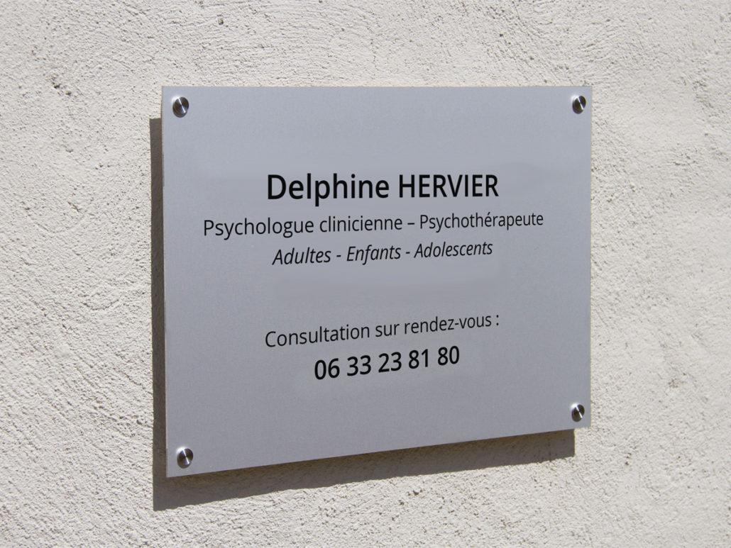 Plaque de rue en plein centre de Nantes pour Delphine HERVIER, Psychothérapeute